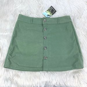 NWT Carve Designs Button Front A-line Skirt